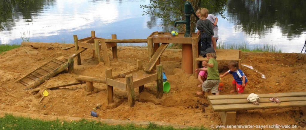 Kinderspielplatz und Wasserspielplatz bei den Wanderungen für Familien